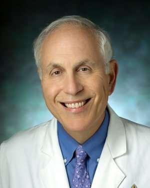約翰霍普金斯大學的性病專家曾尼曼(Jonathan Mark Zenilman, M.D.)(取自約翰霍普金斯大學官網)