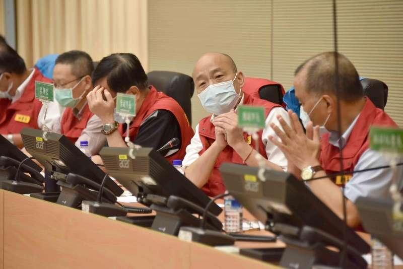 20200522-面對豪雨來襲,高雄市長韓國瑜(見圖)今(22)日下午親自坐鎮豪雨應變中心。(高雄市政府提供)