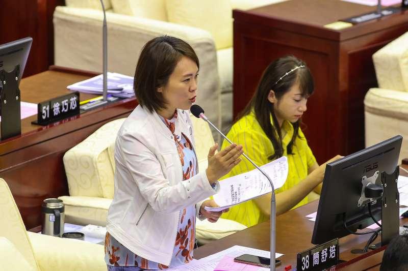 20200601-民進黨台北市議員簡書培1日於議會質詢。(顏麟宇攝)