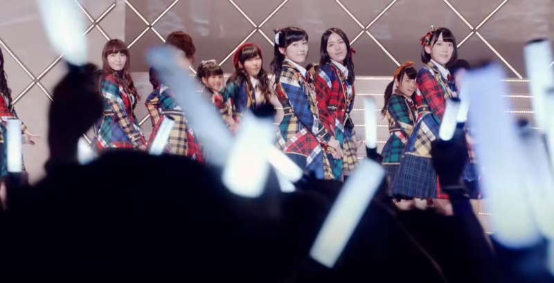 陪愛自己最愛的AKB48,一路從地下女團走向國民偶像女團。(圖/翻攝自youtube)