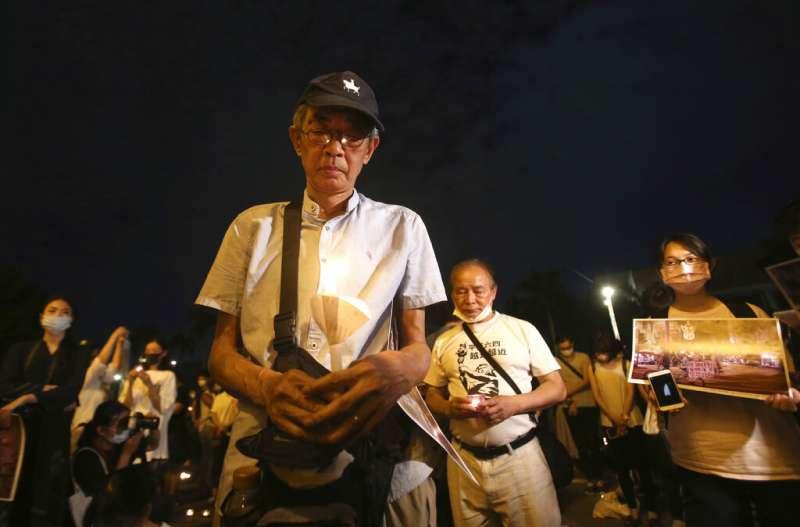 2020年6月4日,台北民眾在中正紀念堂的自由廣場上悼念六四天安門事件31週年,銅鑼灣書店老闆林榮基也一同參與。(美聯社)