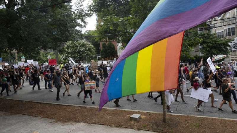 全球暢銷書《哈利波特》作者JK羅琳槓上跨性別者,遭批歧視跨性別者。(AP)