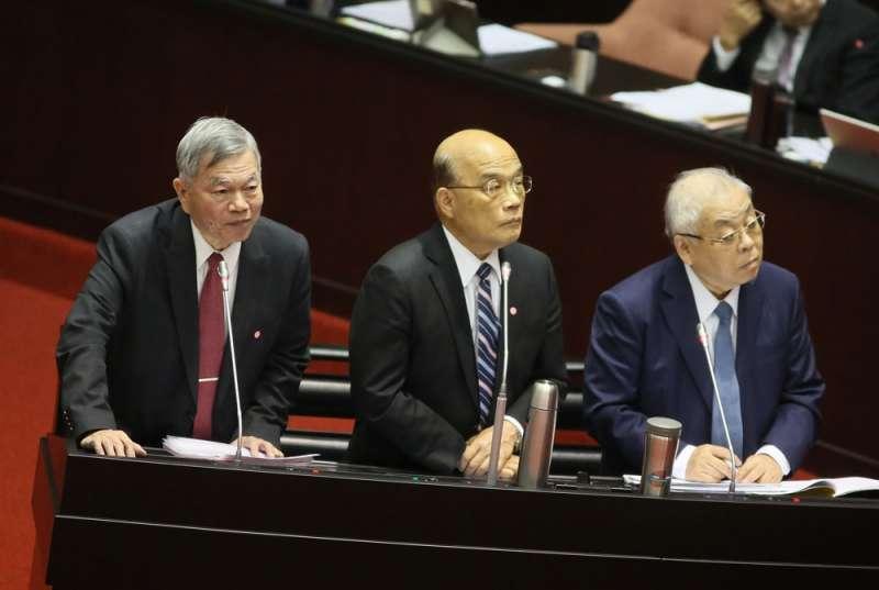 沈榮津(左)是蘇貞昌(中)心中新任副閣揆的理想人選。(柯承惠攝)