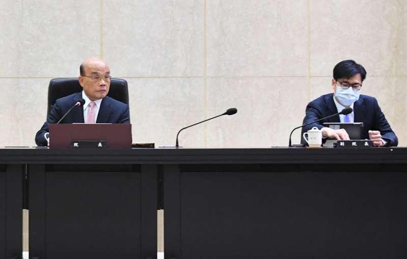 陳其邁(右)尊重蘇貞昌(左),但也受蔡英文重用。(行政院提供)