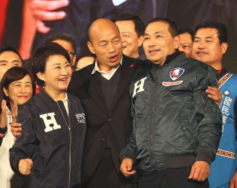 侯友宜(右)選在2024年挑戰民進黨的可能性不高。(柯承惠攝)
