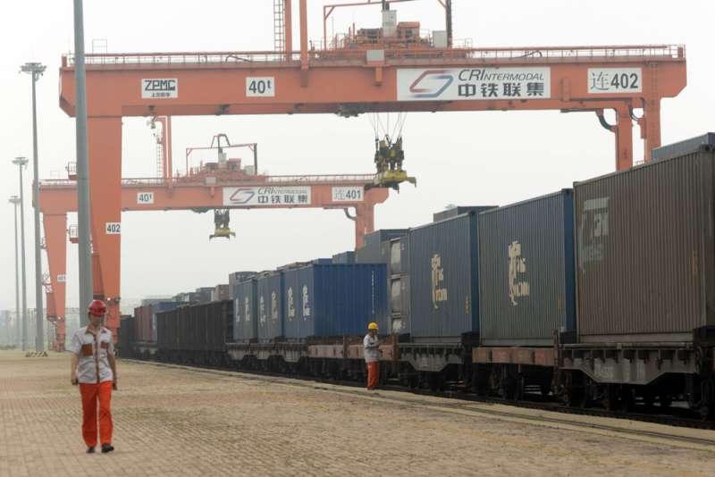 中國一帶一路計畫包括擴張鐵路建設,但部分成果並不符經濟效益。(美聯社)
