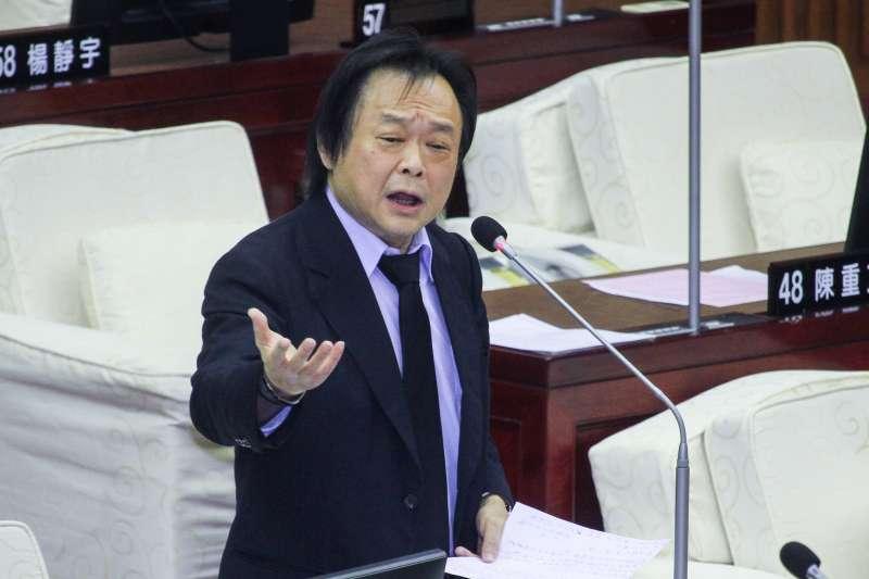 20200612-台北市議員王世堅出席市議會質詢。(蔡親傑攝)