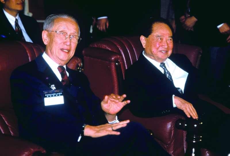 「兩國論」讓汪道涵(右)訪台生變數。(新新聞資料照)