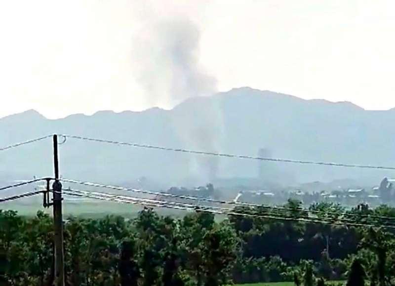 位於開城的南北韓聯絡辦公室,16日被北韓當局炸毀,從南韓坡州等地都可以看到爆炸的煙霧火光、甚至聽見爆炸巨響。(美聯社)