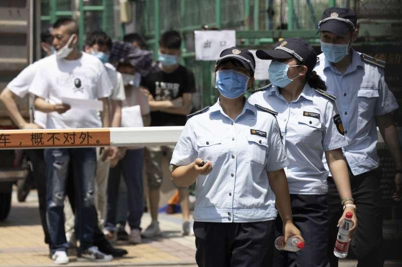 2020年6月中旬,中國新冠肺炎疫情再起,北京首當其衝(AP)