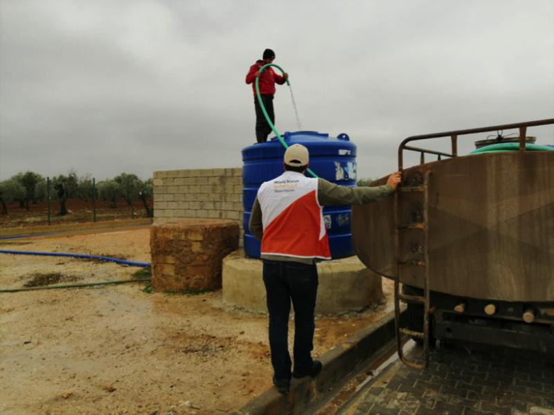 世界展望會在敘利亞提供乾淨飲用水服務。(台灣世界展望會)