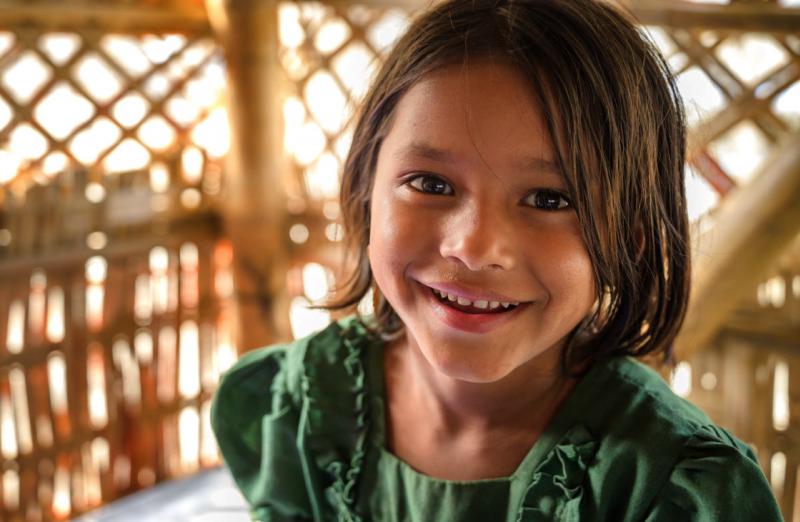 5歲的珍娜圖與母親一起住在孟加拉羅興亞難民營內。(臺灣世界展望會)