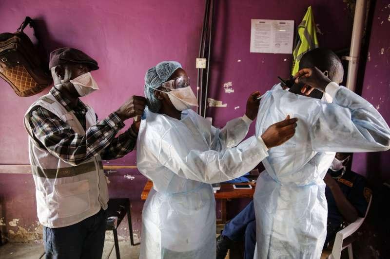 非洲國家長期飽受各種疾病侵襲,醫療資源不足、缺乏社會安全防護,面對新冠疫情,雖然部分國家提早採取斷然措施,但經濟也受到重創。(美聯社)