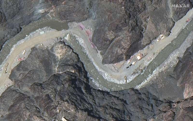 2020年6月22日,衛星照片拍到中國軍方在中印爭議邊界加蓋的建築物。(AP)