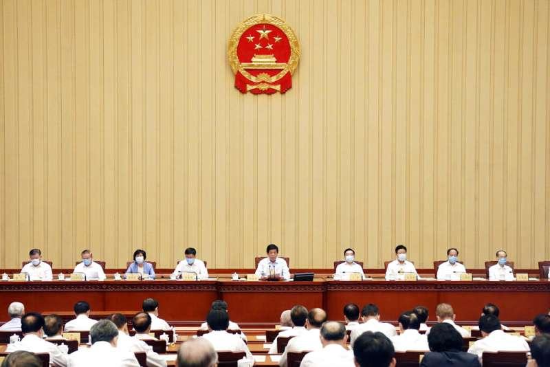 中國人大常委會6月30日全票通過「港版國安法」。(美聯社)