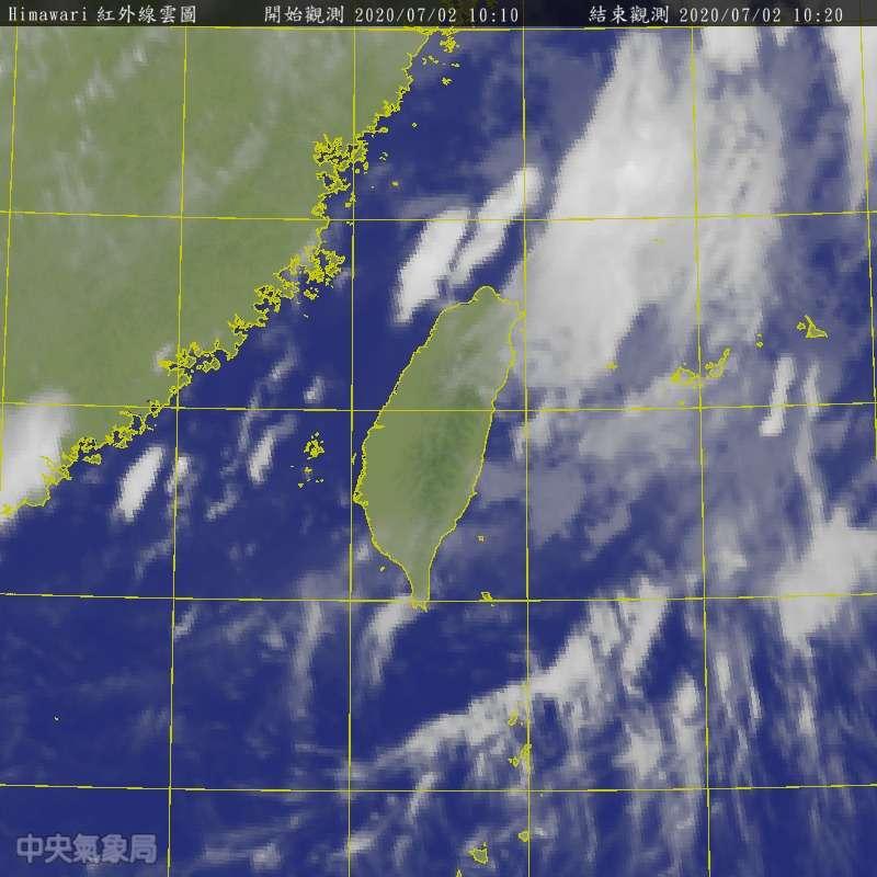 20200702-吳德榮指出,明天天氣型態類似、大氣不穩定,清晨至上午中南部有局部零星降雨的機率,午後對流旺盛。(取自中央氣象局)