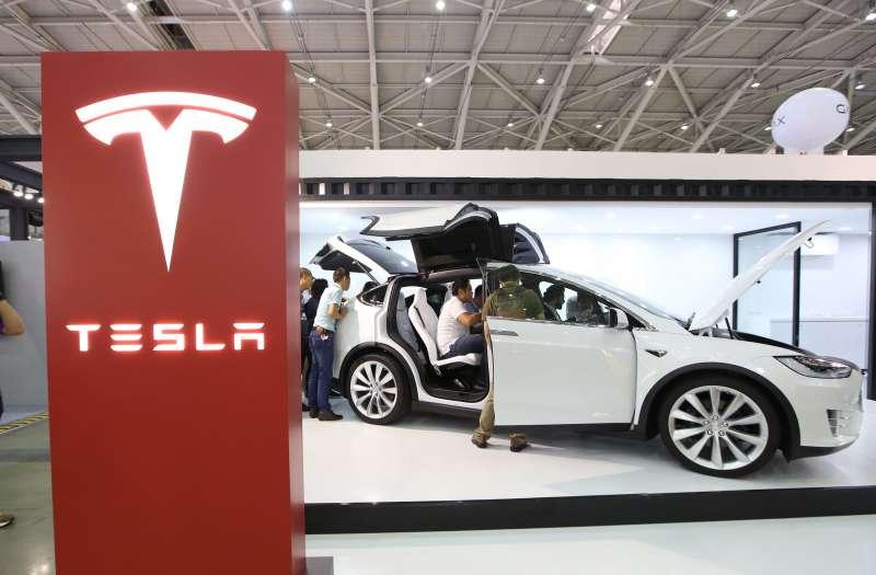 今年美股以半導體、電動車及網路串流影片的TANNA(Tesla、AMD、NVIDIA、NETFLIX及ASML)漲勢,已成為新一代科技股的指標。(郭晉瑋攝)