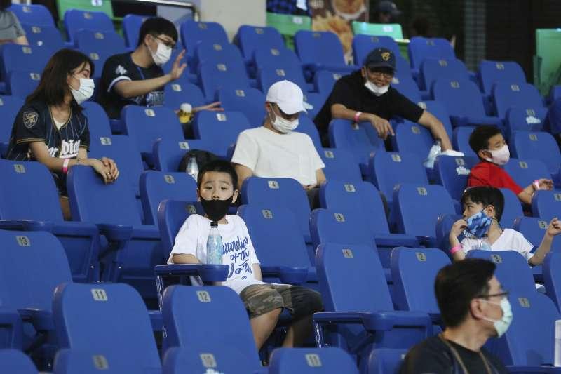 新冠肺炎疫情期間,中華職棒比賽(AP)