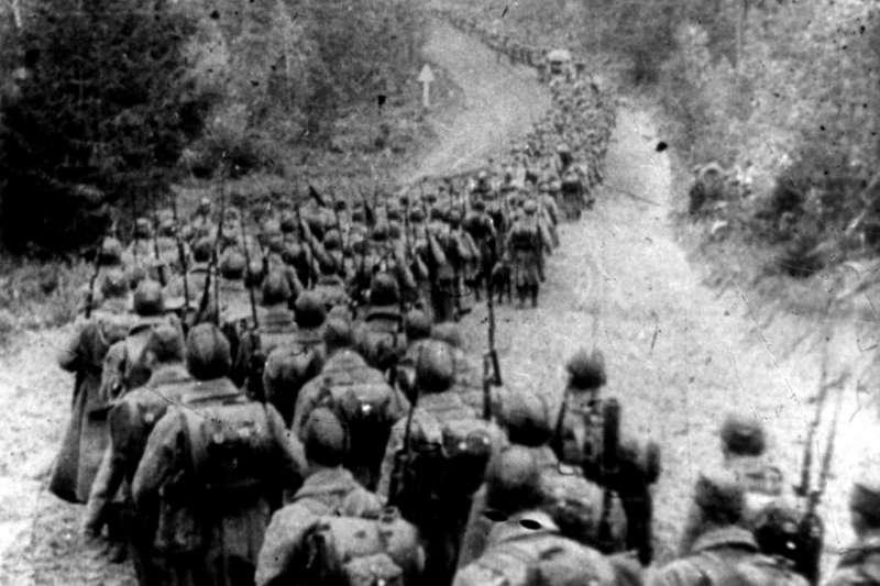 蘇軍於9月17日跨過邊境,入侵波蘭。(圖/維基百科)