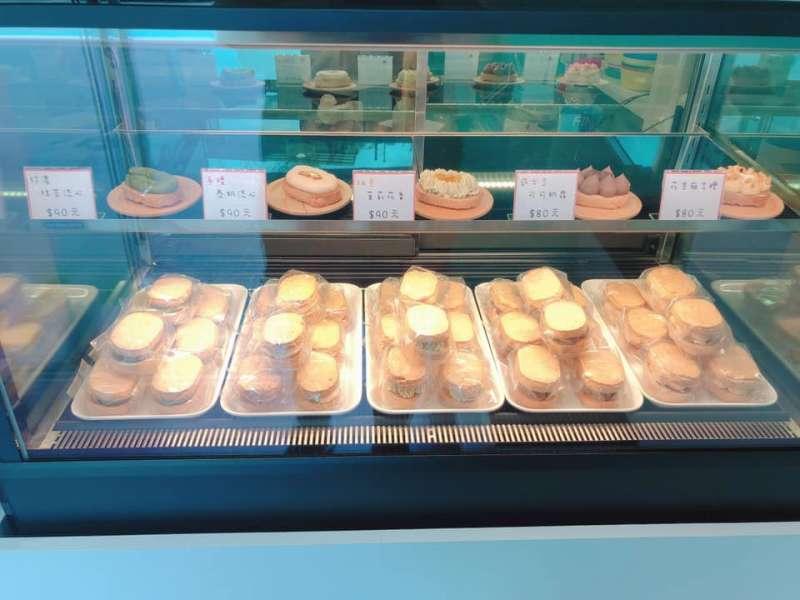 5種口味的達克瓦茲,價格都不到百元。(圖/取自銷魂甜點舖臉書)