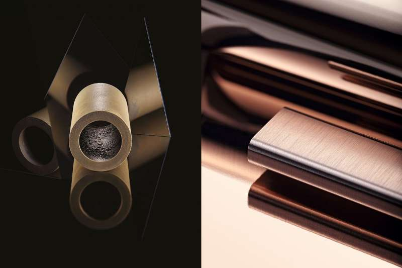 1(左)Hublot獨有的魔力金(Magic Gold)是全球獨家首創的防刮18K合金。(圖片提供/Hublot) (右)Rolex自家鑄造廠完工後不久,便取得了永恆玫瑰金(Everose Gold)材質專利。(©Rolex Cédric Widmer)