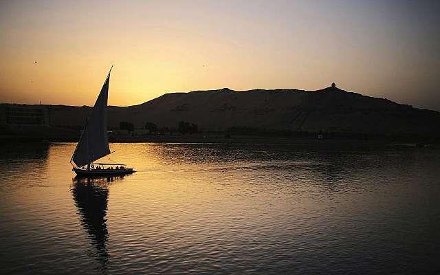 衣索比亞計劃在尼羅河上游興建非洲最大水壩,埃及、蘇丹憂水源遭攔截而多次進行談判。(AP)