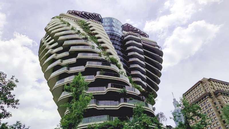 位在台北市信義計畫區的「陶朱隱園」佔據最精華地段,一戶上看18億。(圖/作者提供)
