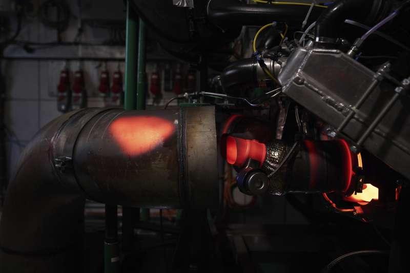 由3D列印技術所產製的活塞零件,經過保時捷專業工程團隊的嚴苛測試後,首次配置於911 GT2 RS的高性能引擎中。(圖/台灣保時捷提供)