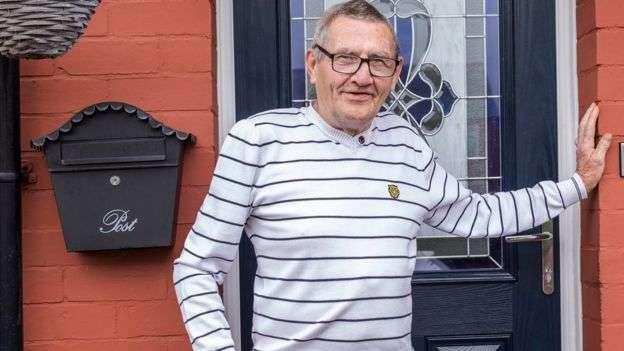 1克拉格斯兩次進醫院輸氧治療後決定戒煙。(圖/BBC News)