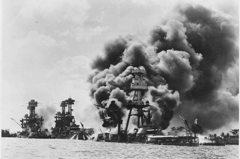 珍珠港事變讓美軍損失慘重。(圖/維基百科)