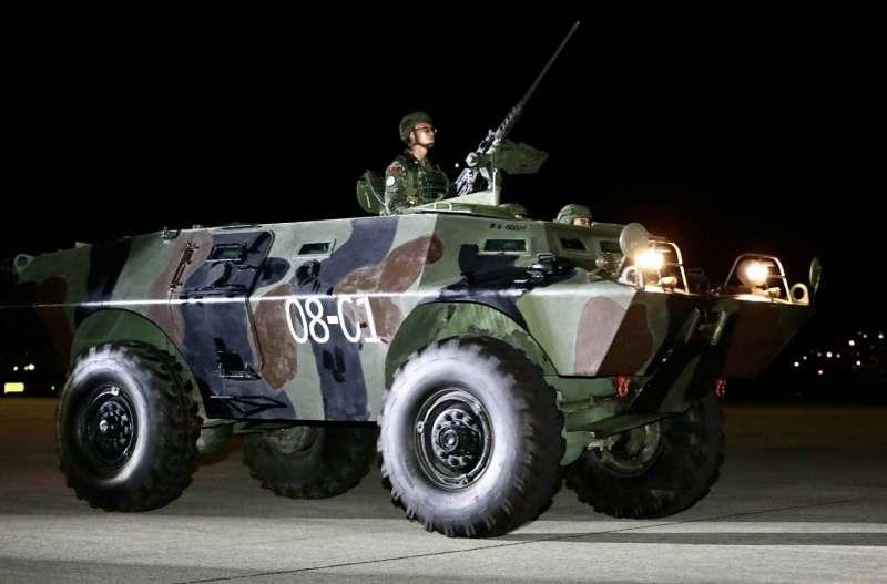 20200716-憲兵202指揮部15日凌晨執行「聯合反空(機)降作戰」演練,圖為V-150甲車。(軍聞社提供)