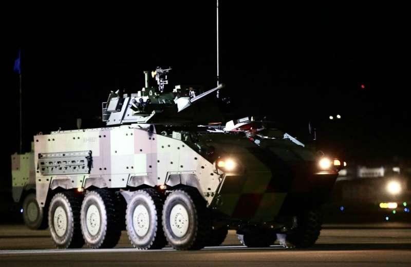 20200716-憲兵202指揮部15日凌晨執行「聯合反空(機)降作戰」演練,圖為雲豹甲車30機砲戰鬥車。(軍聞社提供)