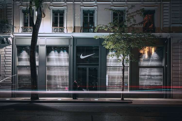 Nike商店(圖片來源:unsplash@jesusance)