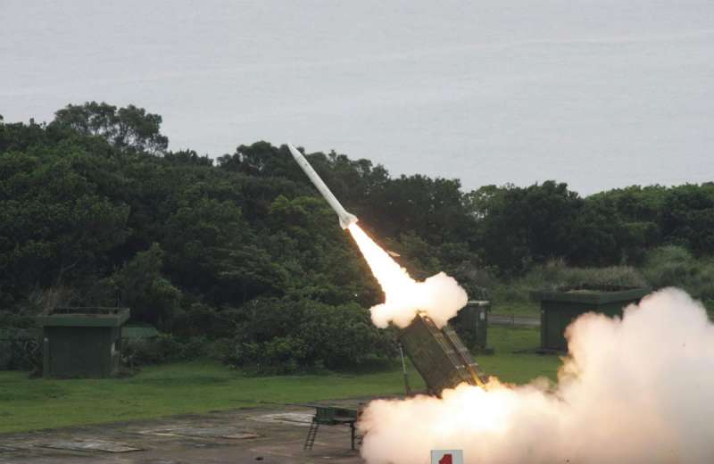 天弓三型計畫是1996年飛彈危機的「產物」,目前部署地點除了少數公開外,仍是機密。(翻攝自國防部發言人臉書)