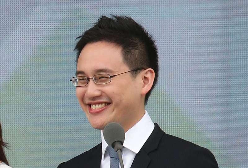 趙怡翔年紀輕輕就在我駐美代表處擔任要職,表現一直被外界拿放大鏡檢視。翻攝自趙怡翔臉書