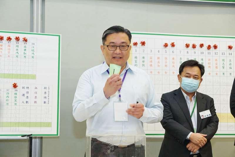 民進黨中執委改選,海派推出6位人選,最後是包含王定宇(左)在內3人過關。(盧逸峰攝)