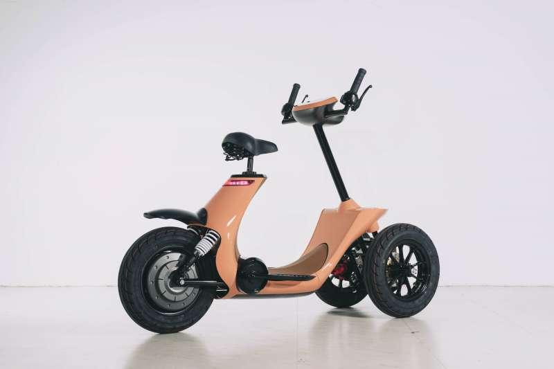透過橢圓機的踩踏設計調整動力,讓長輩在緩上坡時不須用力。(圖/銀滑- e-slide團隊提供)
