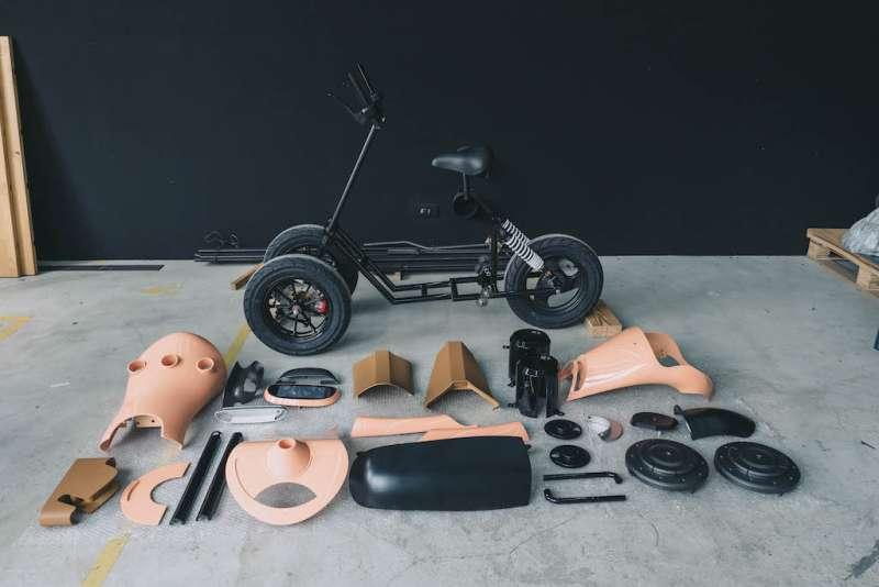 結合橢圓訓練機與電動滑板車是「銀滑- e-slide」的主軸概念。(圖/銀滑- e-slide團隊提供)