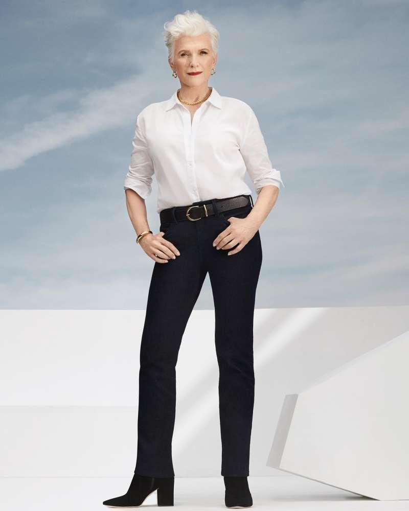 基本款的衣服搭配簡單的物件,也能穿出時尚。(圖/取自Maye Musk臉書)