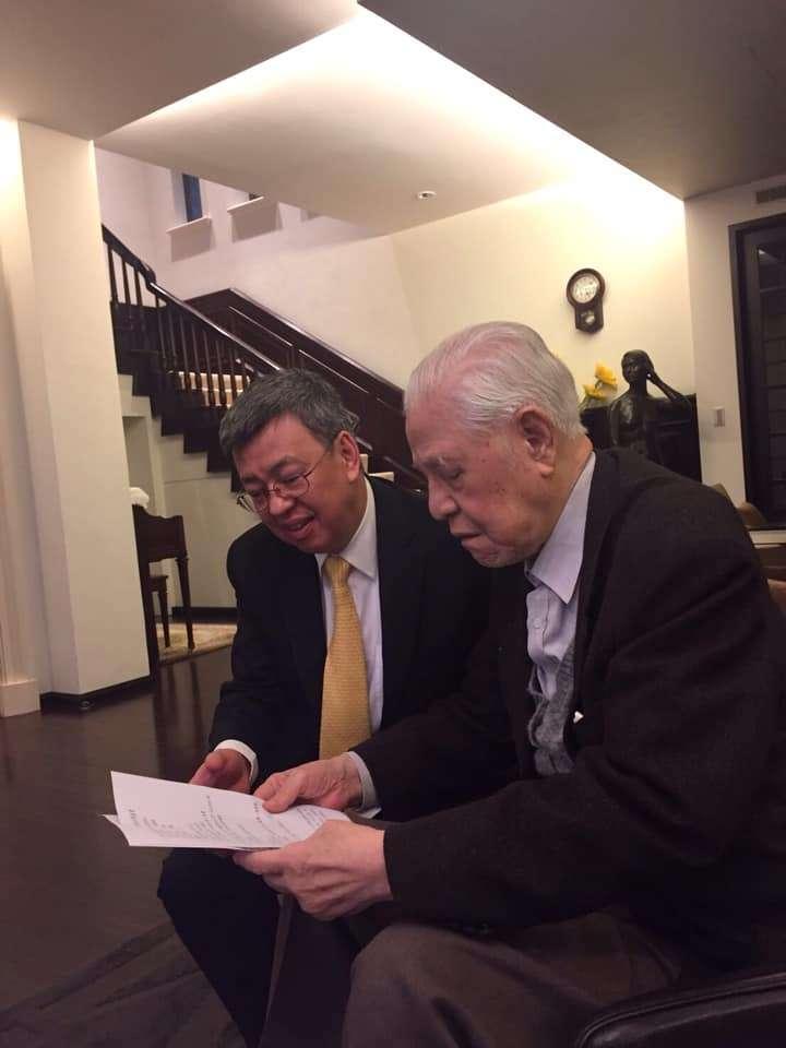 前總統李登輝日前逝世,前副總統陳建仁在臉書以「李登輝總統為我上的最後一堂課」為題發表1093字的長文哀悼。(取自陳建仁臉書)