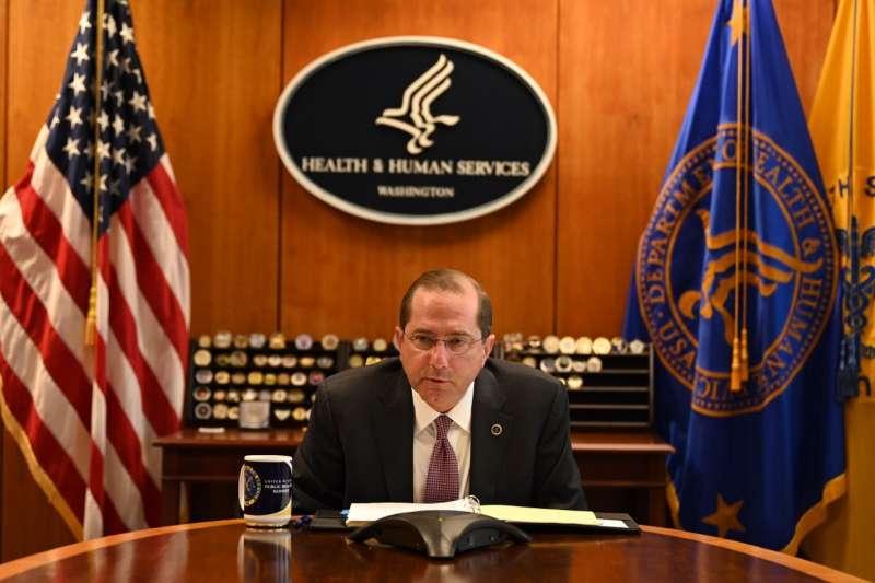 美國衛生部長艾薩。(AIT臉書)
