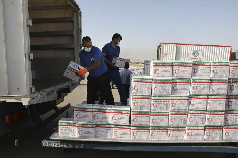 黎巴嫩貝魯特大爆炸,伊朗送出救援物資。(AP)