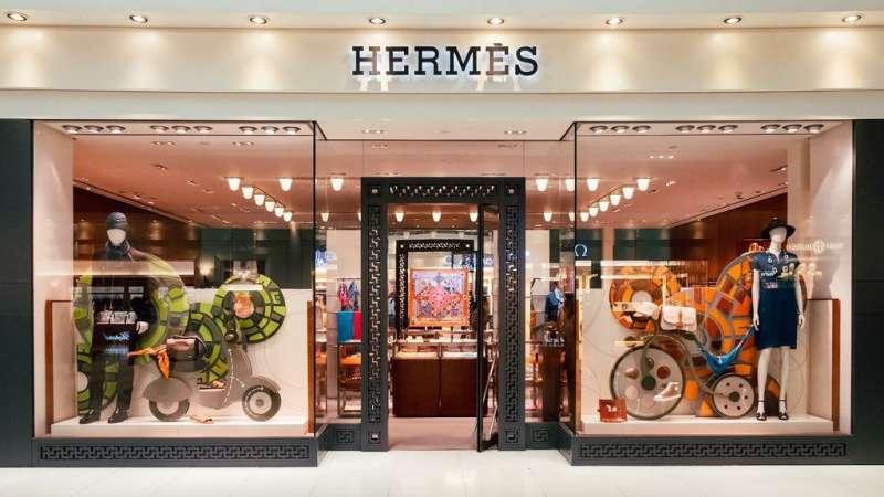 愛馬仕是至今規模最大、毛利最高但管理徵才相對封閉的法國商業集團,堪稱是最神秘的精品龍頭之一。此圖來自 Business Of Fashion 專文報導。(圖/取自方格子)