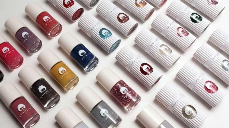 小小PETIT無毒可剝式指甲油包裝採一體成形設計,不過度包裝,希望傳達環保與簡單的核心價值。(圖/小小PETIT提供)