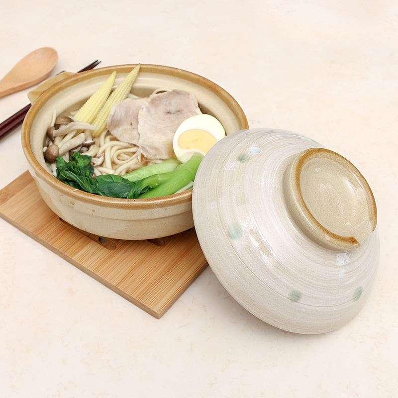 日式土鍋。(圖/大創 DAISO JAPAN臉書專頁)