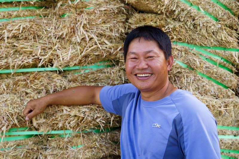 廖皎邦自退伍後便在父親的牧場幫忙。(圖片來源:張家琪提供)(圖/食力foodNEXT提供)