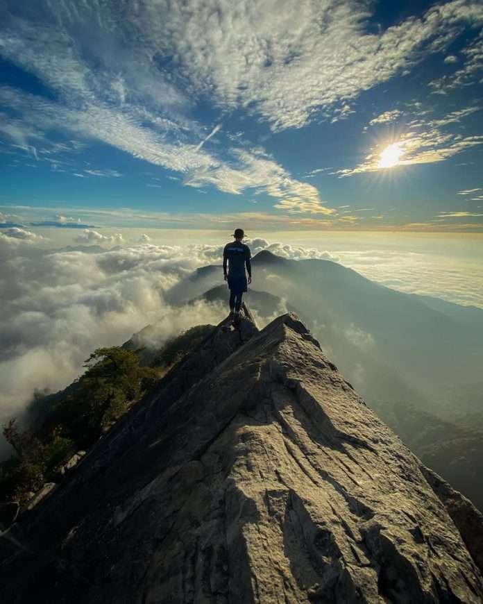 網美打卡山 &網美景點-鳶嘴山。(圖/攝影者:weifeng_tseng授權提供, Instagram)