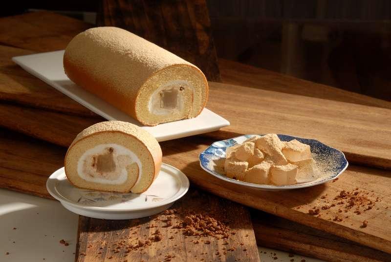 日本皇室級特貢甜品「黃豆粉蕨餅」生乳捲新上市(圖/亞尼克提供)