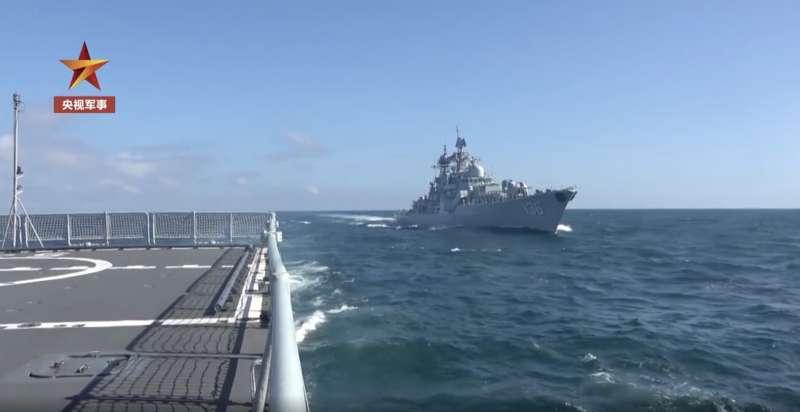 中國官媒公布東海實彈軍演畫面。(翻攝微博)