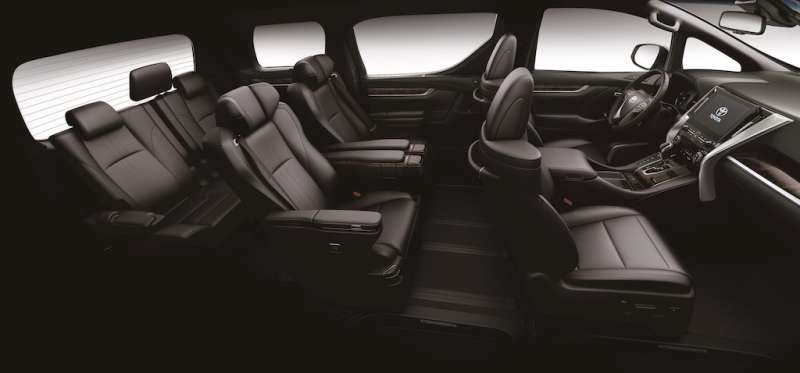全新ALPHARD標配「Toyota Safety Sense 2.0智動駕駛輔助系統」,透過毫米波雷達及智能攝影機進行全方位的感應偵測,主、被動安全配備高達34項,守護行車安全。(圖/業者提供)